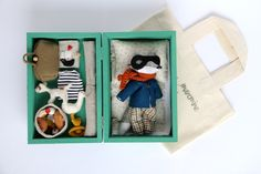handmade toys & other little things Kids Doll House, Fox Toys, Fabric Animals, Fabric Toys, Knitted Dolls, Diy Doll, Cute Dolls, Miniature Dolls, Stuffed Toys Patterns