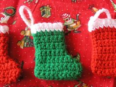 free crochet christmas stocking ornament patterns | ... Deckchair: Crochet pattern for a mini Christmas stocking decoration
