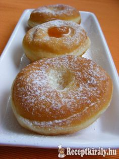Könnyed szalagos fánk 2 Hungarian Recipes, Croissant, Cake Cookies, Bagel, Doughnut, Donuts, Food And Drink, Sweets, Bread