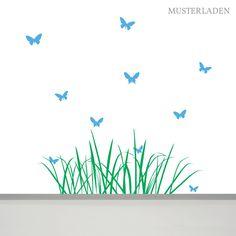 Dieses Wiese mit Schmetterlingen Wandtattoo gestaltet schnell und einfach Kinderzimmer, Wohnzimmer oder eine andere kahle Wandfläche... Decals, Map, Home Decor, Living Room, Animal Themes, Flowers, Simple, Tags, Decoration Home