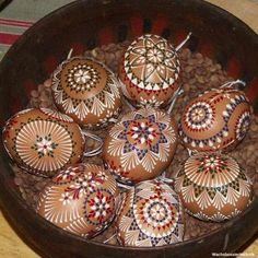Sorbian Easter Eggs, you create at Good Friday Easter Peeps, Happy Easter, Polish Easter, Carved Eggs, Ukrainian Easter Eggs, Egg Crafts, Faberge Eggs, Egg Art, Easter Cookies
