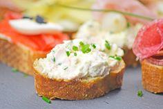 Dieser Schinkenaufstrich schmeckt sehr gut auf frisch gebackenem Brot. Versuchen sie dieses Rezept bei ihrer nächsten Party.