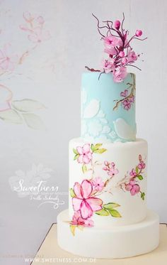"""""""Japanese Spring Beauty"""" - hand painted Cake by Milla Schmalz"""