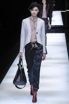 Giorgio Armani Fall 2017 Ready-to-Wear Fashion Show - Ana Cristina Plansky