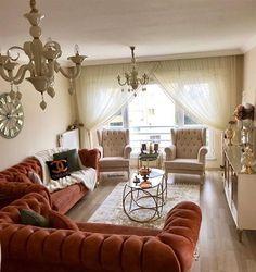 Salon Dekorasyonu için Son Moda Chester Koltuklar – Dekoloji – Ev Dekorasyon Fi… - Home Decor Home Living Room, Living Room Designs, Living Room Decor, Living Spaces, Home Decor Furniture, Sofa Furniture, Diy Home Decor, Sofa Design, Interior Design