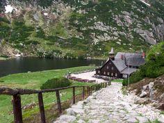 """Road to hostel """"Samotnia"""" (""""Seclusion"""") in Karkonosze mountains"""