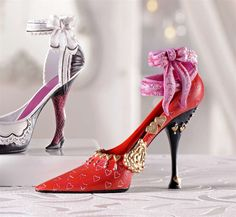 Excellent gift for the Valentine in your heart:) Ceramic Shoes, Capitol Couture, Stiletto Heels, High Heels, Glass Shoes, Fashion Shoes, Fashion Outfits, Decorated Shoes, Types Of Shoes