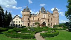 Chateau de Maulmont