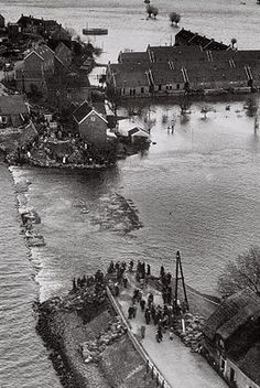 Flood in 1953... the Netherlands. .. upload.wikimedia.org