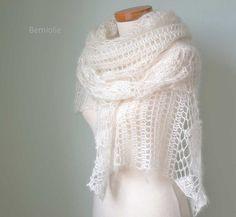 INSTANT DOWNLOAD LUNA Crochet shawl pattern par BernioliesDesigns