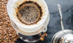 Koffie is niet alleen lekker om goed wakker te kunnen worden - in je doffe haar of in je vieze pan doet koffie het ook prima!