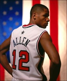 One of my favorite players – Ray Allen in a Team USA jersey from some years back. Team Usa Basketball, Basketball Leagues, Basketball Association, Love And Basketball, Nba Eastern Conference, Milwaukee Bucks, Figure Skating, A Team, Olympics