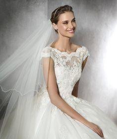 TAMIRA - Princess wedding dress with sweetheart neckline | Pronovias