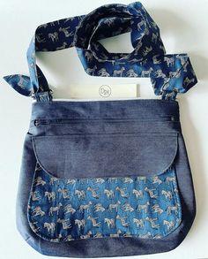 Dparenthèses Enchantées sur Instagram: Je vous présente mon nouveau sac à main, librement adapté du patron #polka des @patrons_sacotin Réalisé en jean et coton marine à pois…
