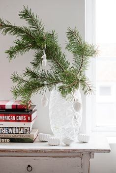 10 Simple and Beautiful Last-Minute Holiday Decor Ideas | Apartment Therapy