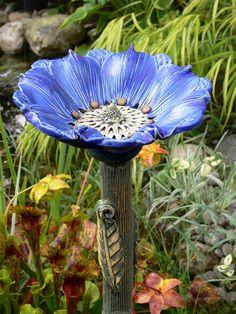 Gartendekoration - Große blaue Fantasieblume, das ORIGINAL - ein Designerstück von Brigitte_Peglow bei DaWanda