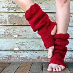 Click here to purchase the RELAXATION leg warmer knitting pattern.