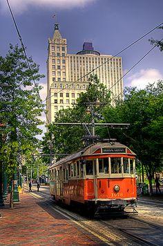 Main Street Trolley Memphis TN by macD3bills, via Flickr