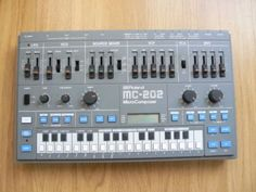Roland MC 202 in Berlin - Neukölln | Musikinstrumente und Zubehör gebraucht kaufen | eBay Kleinanzeigen