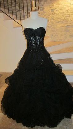 Robe noire de mariée bustier avec strass + jupe + traîne d'occasion