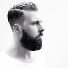 Razor Faded Pompadour - Male Hairstyles for 2015 (only German) (Womens Top Girls) Hair Trends 2015, Mens Hair Trends, Trendy Mens Hairstyles, Haircuts For Men, Male Hairstyles, Great Beards, Awesome Beards, Hair And Beard Styles, Long Hair Styles