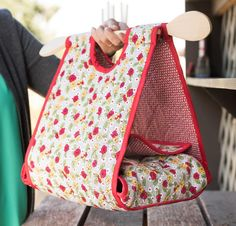 Keep your dishes hot even when there's a chill in the air. These fantastic casserole carrier patterns are a great project to sew for yourself or as gifts!