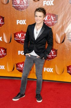 30 days of Hunter Hayes Day 11: Your favorite award show outfit I really really love this one alot♡