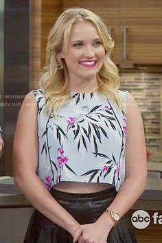 Gabi's light blue leaf print crop top on Young and Hungry.  Outfit Details: http://wornontv.net/52755/ #YoungandHungry