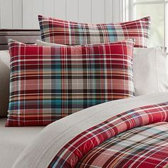 Shop boys duvet covers from Pottery Barn Teen for an upgrade from their children's bedding. Let them show their personality with our boys bedding in stripes, plaid, and even sports logos. Twin Size Duvet Covers, Bed Duvet Covers, Duvet Cover Sets, Plaid Bedding, Teen Bedding, Cheap Bedding Sets, Bedding Sets Online, Pottery Barn