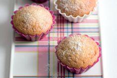 Muffiny se zakysanou smetanou Cupcakes, Breakfast, Food, Morning Coffee, Cupcake Cakes, Essen, Meals, Yemek, Cup Cakes