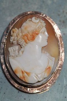 Antique 10K Yellow Gold Hand Carved Cameo Artemis Diana Pin Pendant Brooch