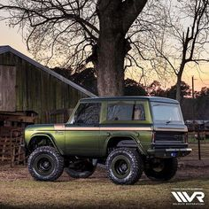 Specializing in classic Ford Broncos and vintage vehicle restorations. Velocity Restorations is a high end, classic auto restoration shop in Pensacola, FL. Classic Ford Broncos, Classic Bronco, Classic Chevy Trucks, Bronco Truck, Ford Bronco Ii, 4x4 Trucks, Cool Trucks, Trailers, Early Bronco