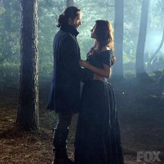 Tom Mison with Katia Winter in Sleepy Hollow, 2013