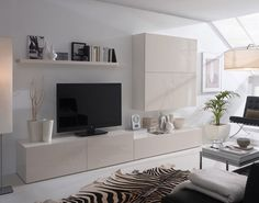 Salón con Alfombra cebra en blanco y negro. Living Room Wall Units, Ikea Living Room, Interior Design Living Room, Living Room Designs, Kitchen Interior, Lounge Furniture, Home And Living, Modern Living, White Zebra