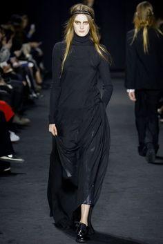 Ann Demeulemeester Autumn/Winter 2016 Ready-To-Wear | British Vogue