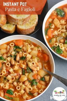 Pasta e Fagioli – Hearty, Italian pasta with beans Pasta Recipes, Soup Recipes, Vegetarian Recipes, Cooking Recipes, Healthy Recipes, Pasta Fagioli Recipe Vegetarian, Vegetarian One Pot Meals, Vegetarian Spaghetti, Cooking Chef