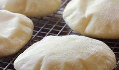 Pita recept, ami házilag is könnyedén elkészíthető Thing 1, Hamburger, Bread, Blog, Brot, Blogging, Baking, Burgers, Breads