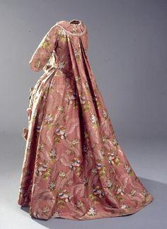 Pink Danish mantua 1778