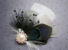 Bridal Fascinator Black Peacock Feather Head Piece por PeacockPixys, $32.00