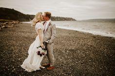 Wedding Photos, Coat, Jackets, Fashion, Marriage Pictures, Down Jackets, Sewing Coat, Moda, La Mode