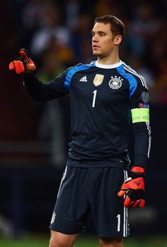 Goalkeeper Manuel Neuer of Germany reacts during the EURO 2016 Qualifier between Germany and Republic of Ireland at the Veltins-Arena on October 2014 in Gelsenkirchen, Germany. Obtenha fotografias de notícias premium e de alta resolução na Getty Images All Star, Cute Disney Drawings, Fc Bayern Munich, Football Boys, Republic Of Ireland, Goalkeeper, Soccer Players, Bad Boys, Germany