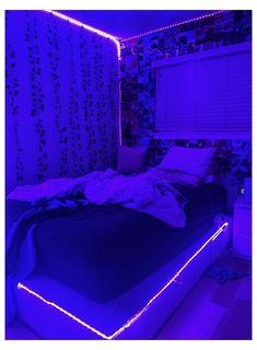 Aestehtic room #led #lights #bedroom #design #ledlightsbedroomdesign Neon Bedroom, Cute Bedroom Decor, Room Design Bedroom, Teen Room Decor, Room Ideas Bedroom, Bedroom Inspo, Chill Room, Cozy Room, Indie Room