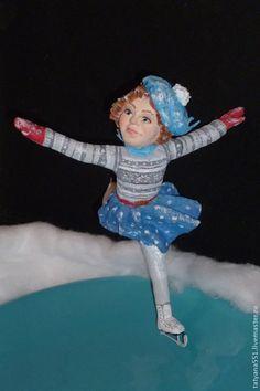 """Игрушка из ваты """"Зимние забавы- фигуристка Тося"""" - голубой,фигуристка"""