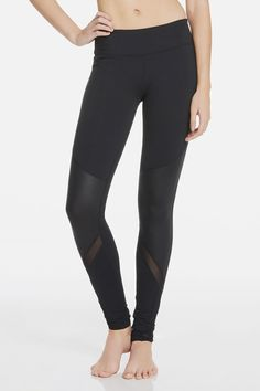 Our high-style legging combines sleek liquid black details with breathable mesh to keep you looking and feeling cool every step of the way.