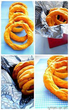 Συνταγές..6 Greek Recipes, Vegan Recipes, Greek Bread, Onion Rings, Crackers, Food Videos, Cupcake Cakes, Carrots, Appetizers