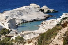 Sembra la Luna, invece è una spiaggia in Grecia  Sarakiniko, Milos – Grecia