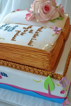 Birthday cakes that look like books