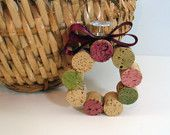 wine cork ornaments, might need to try these this Christmas!
