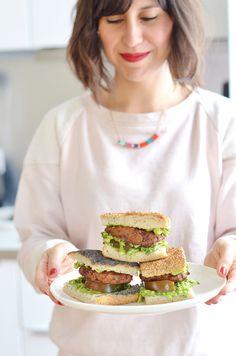 Un burger vegan et sans gluten avec un steak végétal à base de haricots rouge, du guacamole et la foccaccia sans gluten de chez Chambelland ! www.sweetandsour.fr