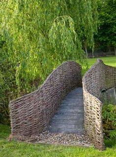 Like the idea - maybe 'edge' for privet hedge around the garden. Wooden bridge with woven railings - Brampton Willows Garden Trellis, Garden Fencing, Garden Art, Garden Landscaping, Garden Design, Cerca Natural, Wattle Fence, Ideas Terraza, Willow Fence